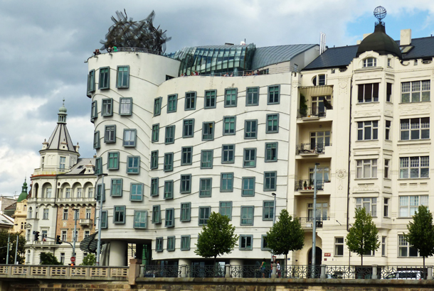 <strong>Dancing House<span><b>in</b>Residential  </span></strong><i>→</i>
