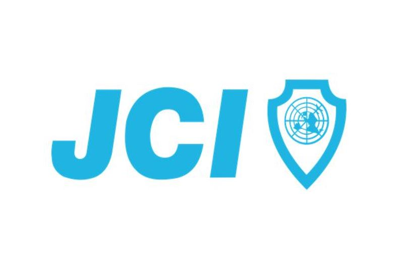 <strong>JCI-Bienne<span></span></strong><i>→</i>